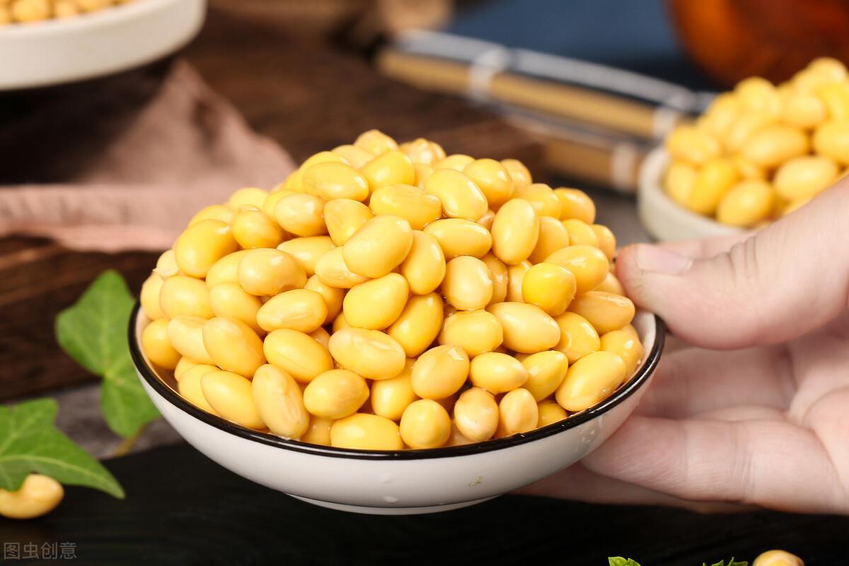 打豆浆时,别只知道泡水,多做1步,豆浆更香浓,无残渣无腥味