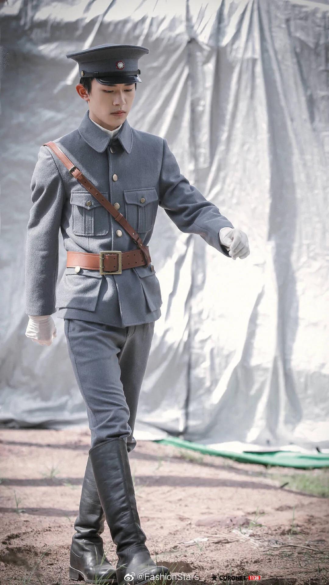 【热血同行】中易烊千玺的军装造型有种反差萌的感觉!超酷耶