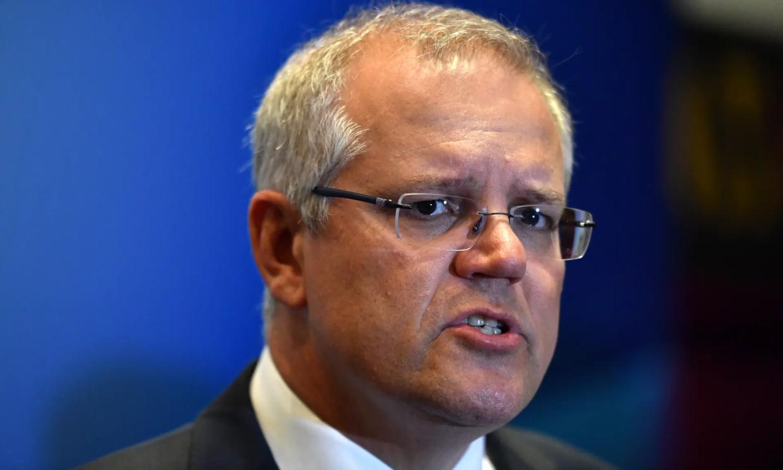 澳总理好意思让中国道歉?澳军用死者假肢喝酒,滔天罪行难以饶恕