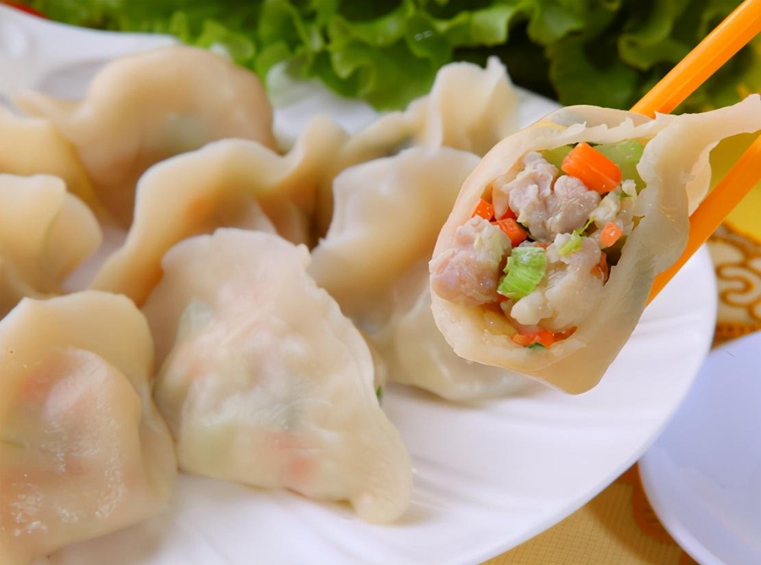 煮饺子技巧   有3种东西 饺子味道鲜不破皮