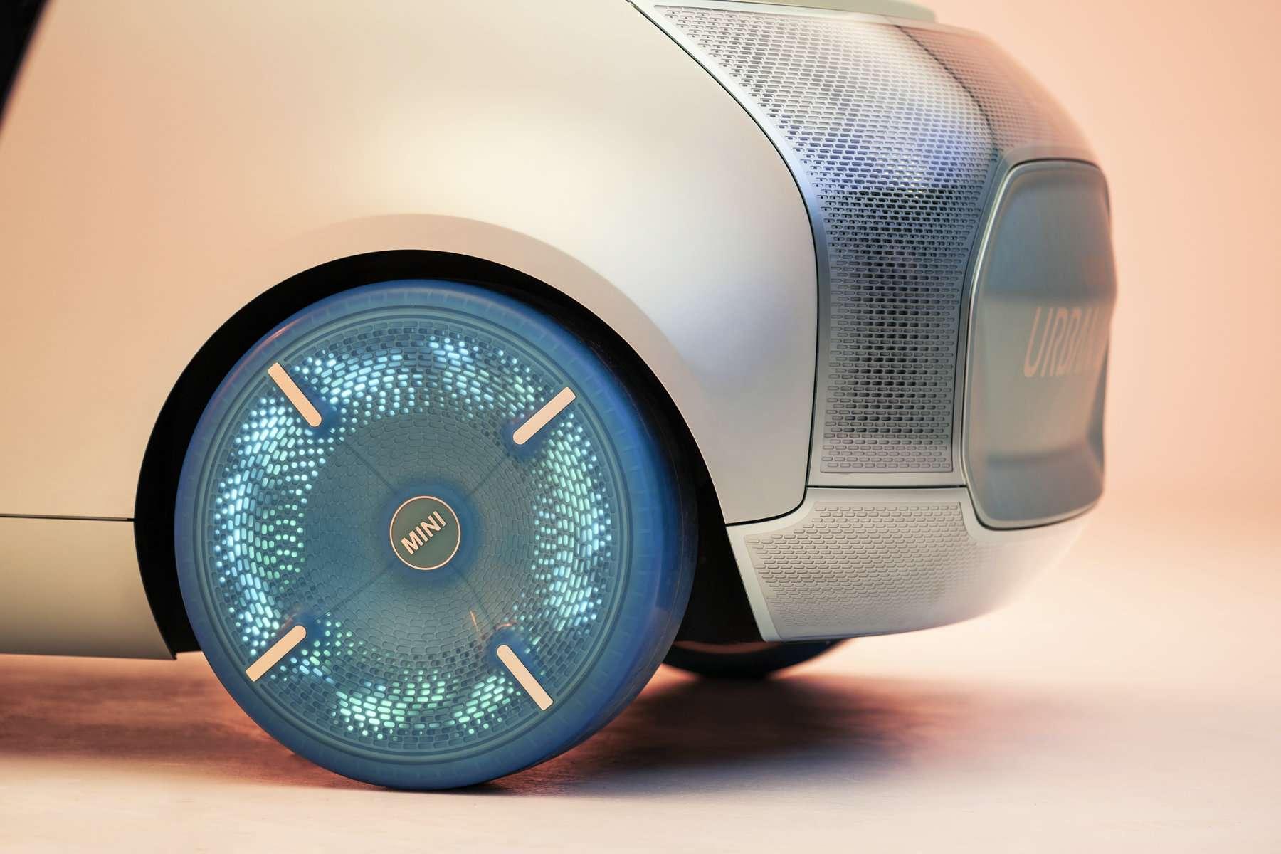 "MINI VISION URBANAUT概念车""时刻""创造数字化体验"