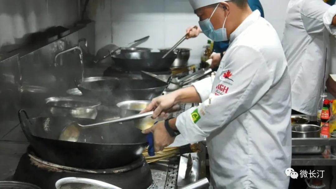 福建省五一劳动奖章获得者邱道良:打造客家菜品牌 舌尖上的工匠情怀