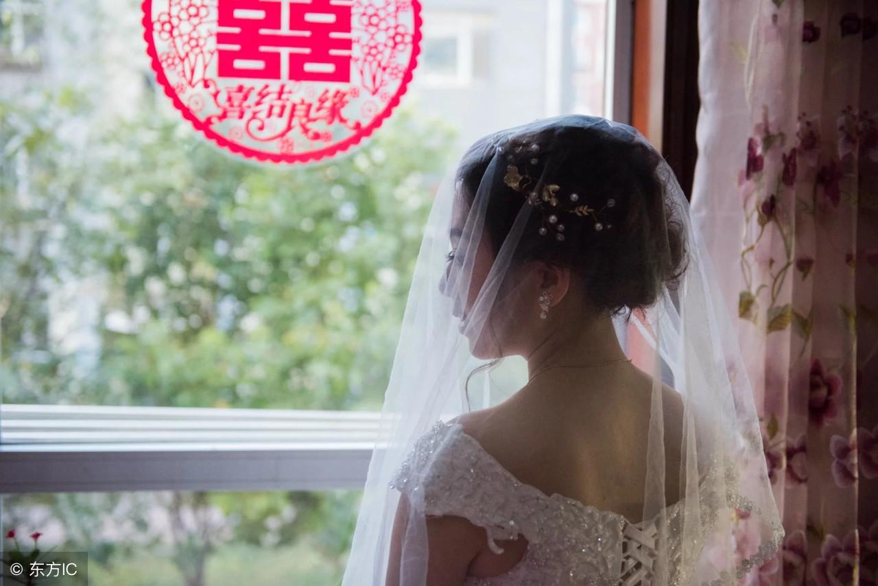 和丈夫结婚一个月,我却和我公公好上了!