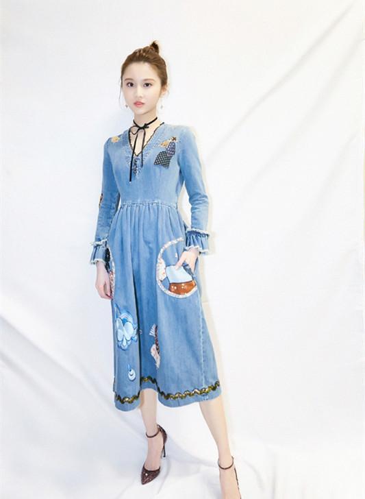 张慧雯穿上白色裙子太美了,仿佛看到了剧中的林奚姑娘!
