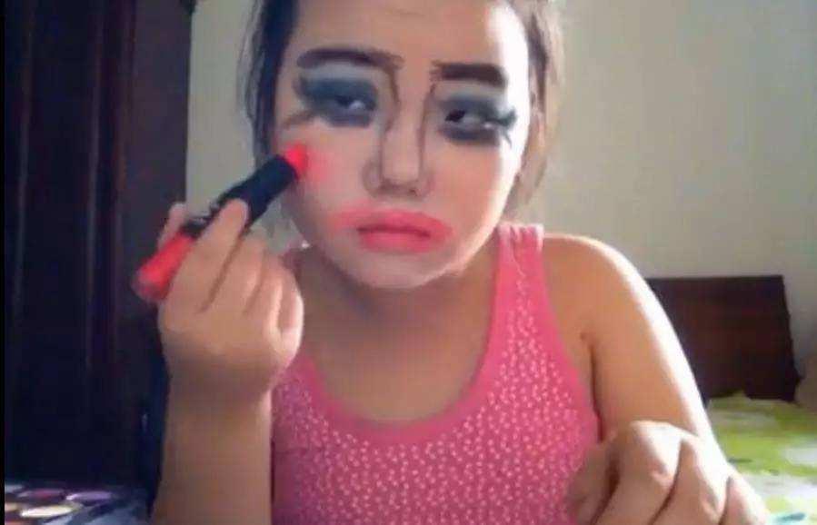 小学生神级化妆术,老阿姨自愧不如!