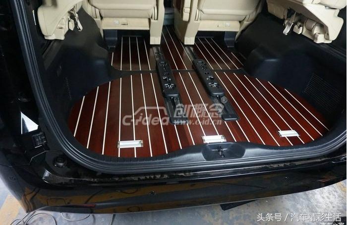 丰田埃尔法游艇实木地板高档舒适