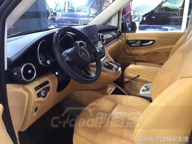 奔驰V260改装浪漫及高贵显得车子很优雅