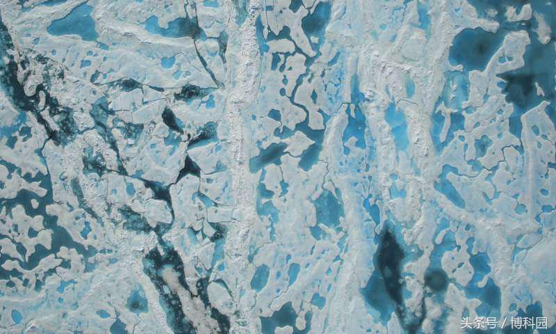 新技术更准确地反映了北极海冰上的池塘
