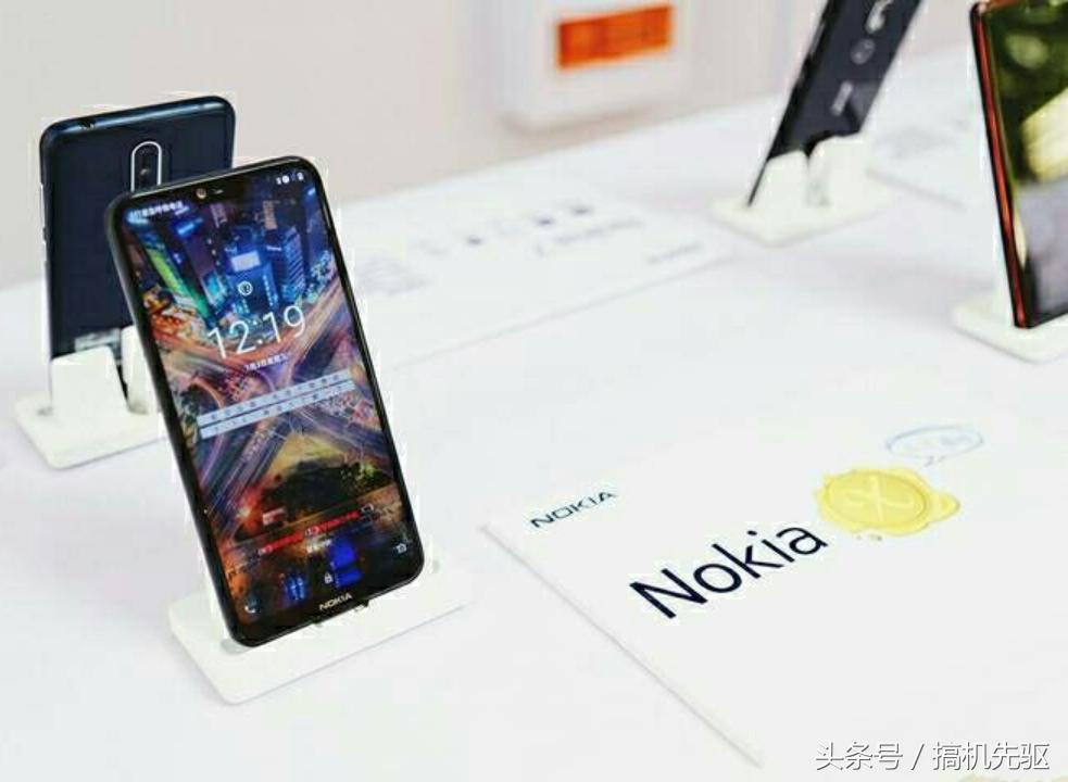 NokiaX 不输iPhone X的非凡长相
