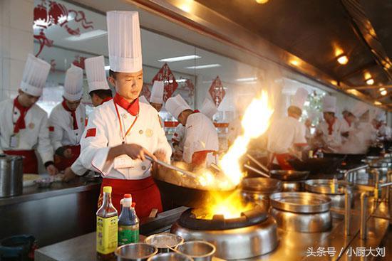 厨师长教的20个炒菜小技巧,学会了在家就能做,比饭店的香百倍 炒菜小技巧 第1张
