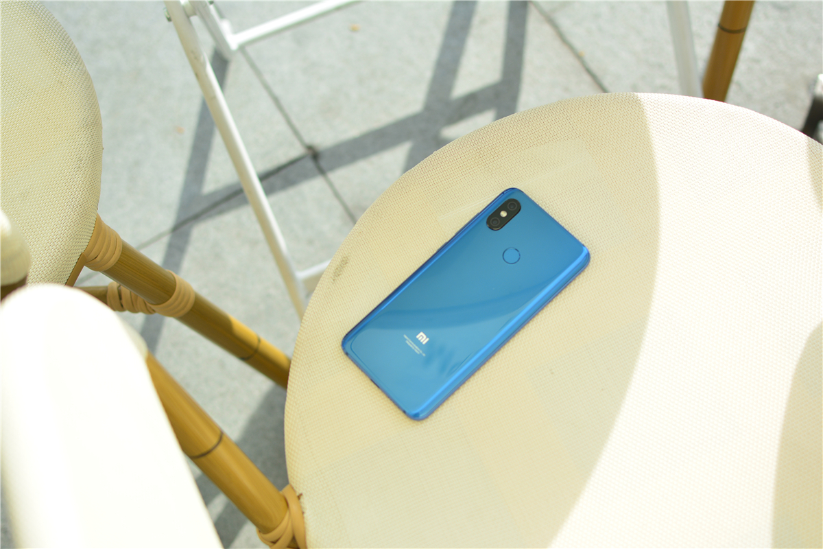小米手机史上最牛手机上!三维结构光 感压指纹验证 单频GPS,显卡跑分三十万