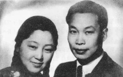 一位扫过厕所的中国老人悄然离世,然而她的背景实在太吓人!她才是中国真正的贵族!代表了真正的国家精神!