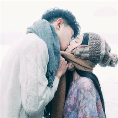 男生接吻的时候脑子里在想什么?网友说出了大实话 简直太污了…