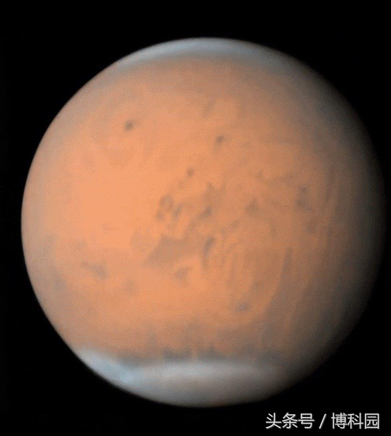 在这图片中,你可以看到火星上的巨大沙尘暴