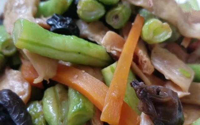 豆角炒豆干做法 简单易做 好吃又下饭 夏天必备家常菜