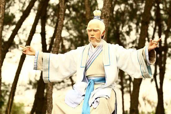 """姜子牙没上封神榜,却被后人尊为""""众神之神"""",地位尊崇诸神退位"""