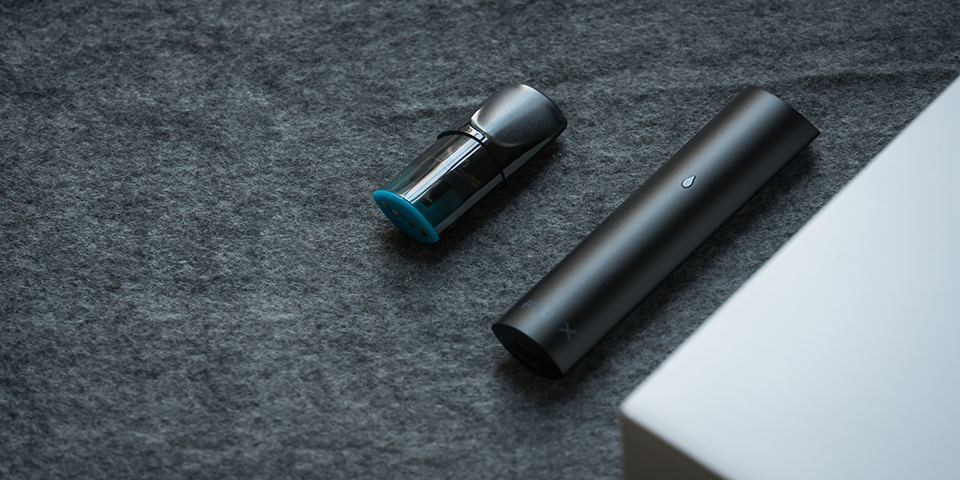RELX悦刻换弹雾化烟上手:小巧精致,比抽真烟过瘾!