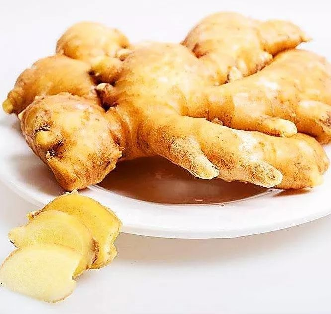 该汤味道鲜美,适用于一般人群秋冬季平补食用 尤适宜经常熬夜、体虚乏力的人士服用哦! 食补药膳 第3张
