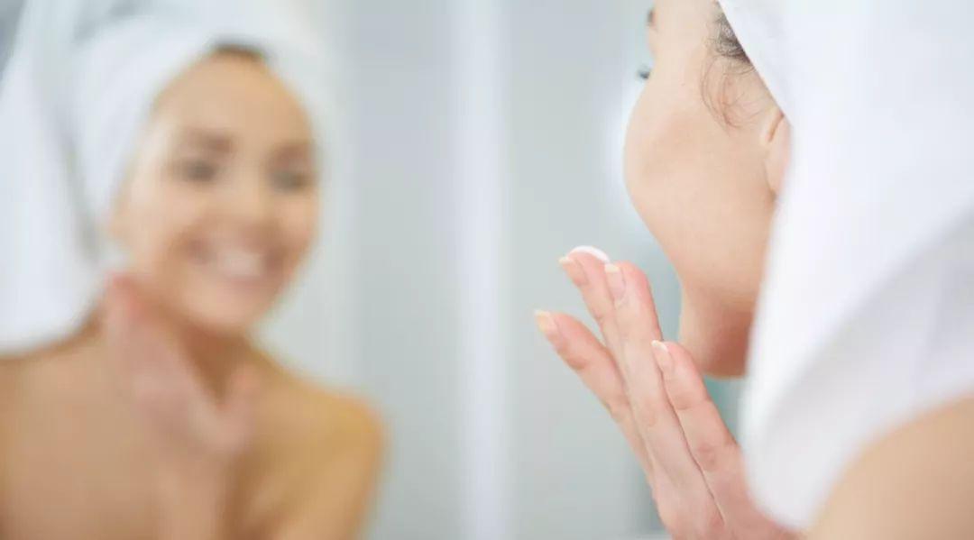 「水油平衡」根本不存在!医生才知道的 15 个护肤技巧,每个都出乎意料 皮肤保养 第1张