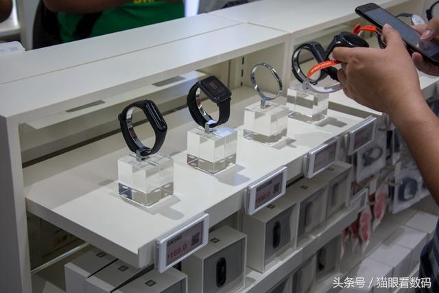 小米旗舰店武汉市楚河汉街官方旗舰店开张 占地面积3层共720平米
