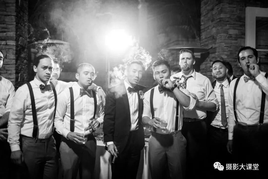 """伴郎团太""""土""""怎么办?摄影师教你8个姿势,拍出婚礼大片的感觉"""
