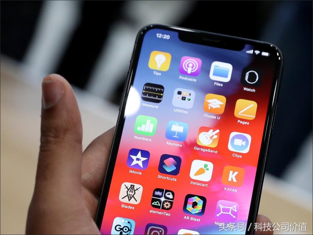 为什么买iPhone XS比iPhone XS Max更可靠,看了这10个原因毫无疑问摇摆不定