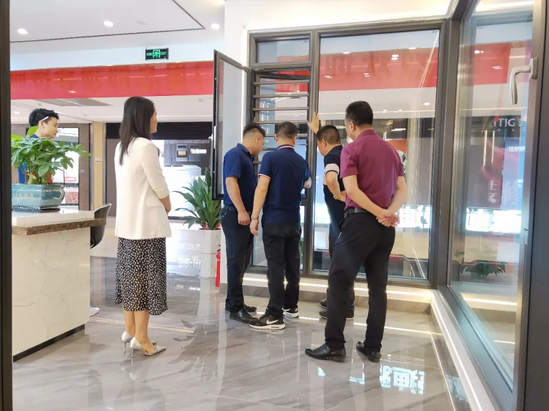市場戰略 助力終端丨愛迪雅門窗走訪調研廣州專賣店