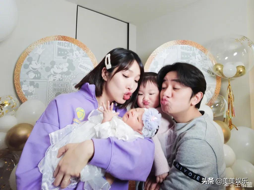 王祖藍曬全家福官宣二胎,小女兒正臉曝光,寵妻狂魔變女兒奴