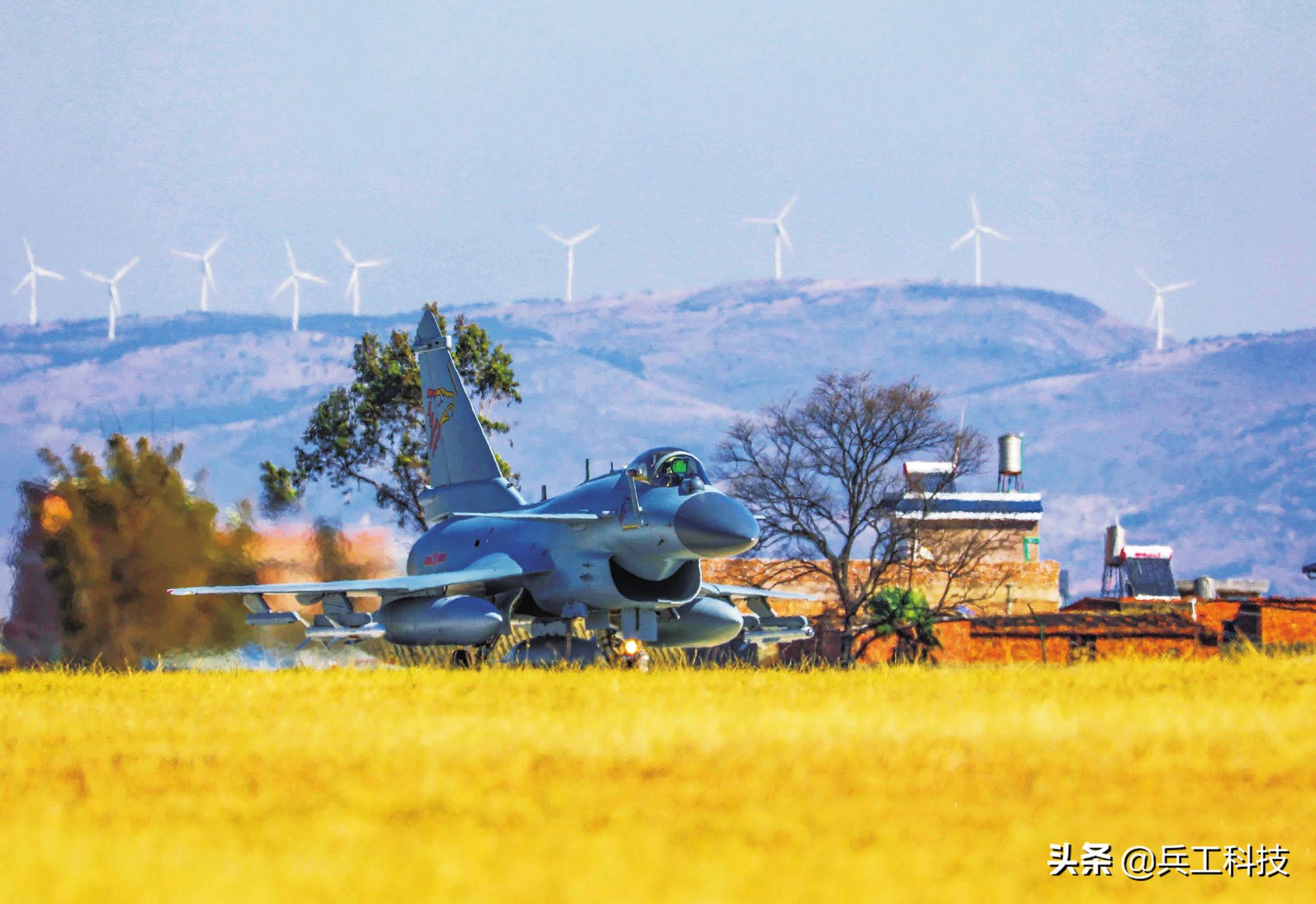 巴基斯坦飞行员对歼-10C的评价一语中的:歼-10C非常危险,但也有一定的缺陷
