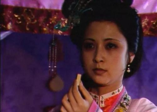 尤二姐懷了身孕,為何不敢尋求賈母保護?王熙鳳早斷了她這條生路