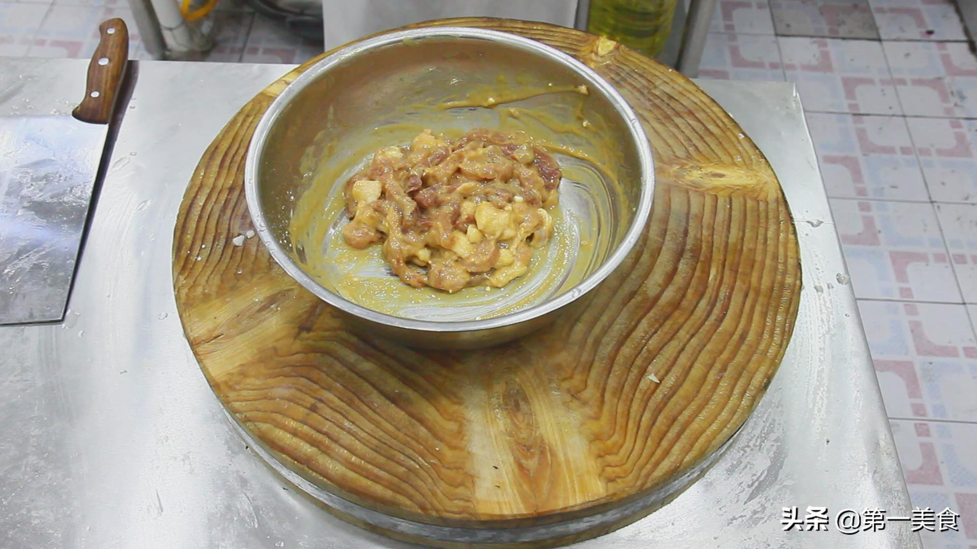 厨师长教你这样做,极品酥肉,外焦里嫩,油而不腻,吃完忘不掉 美食做法 第3张