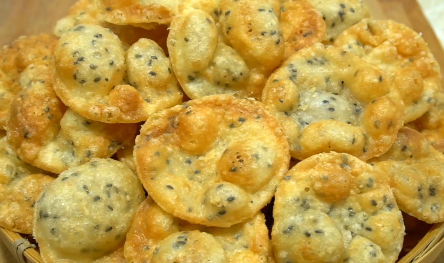 孩子最爱的糯米薄脆饼,2分钟就出一锅,咬一口嘎嘣脆,奶香浓郁