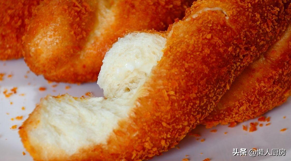 把酸奶包入麵團,瞬間變網紅美食,用手撕著吃,還能拉絲