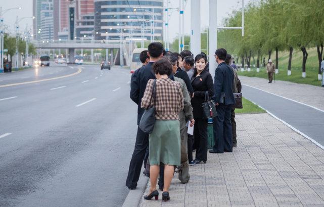 走在朝鲜街头,感受平壤那些时髦的事物