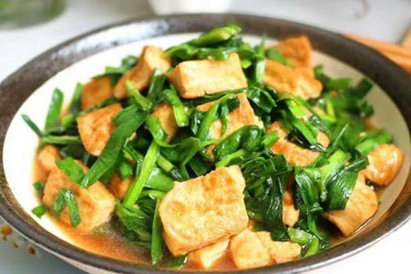 豆腐韭菜这样做,每次多吃一碗饭,太解馋了 美食做法 第7张