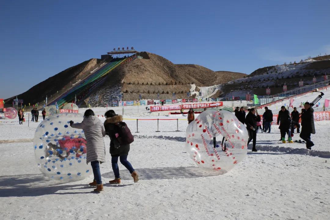 武威塔儿湾滑雪场:这里有冬日暖阳,假日里的冰雪