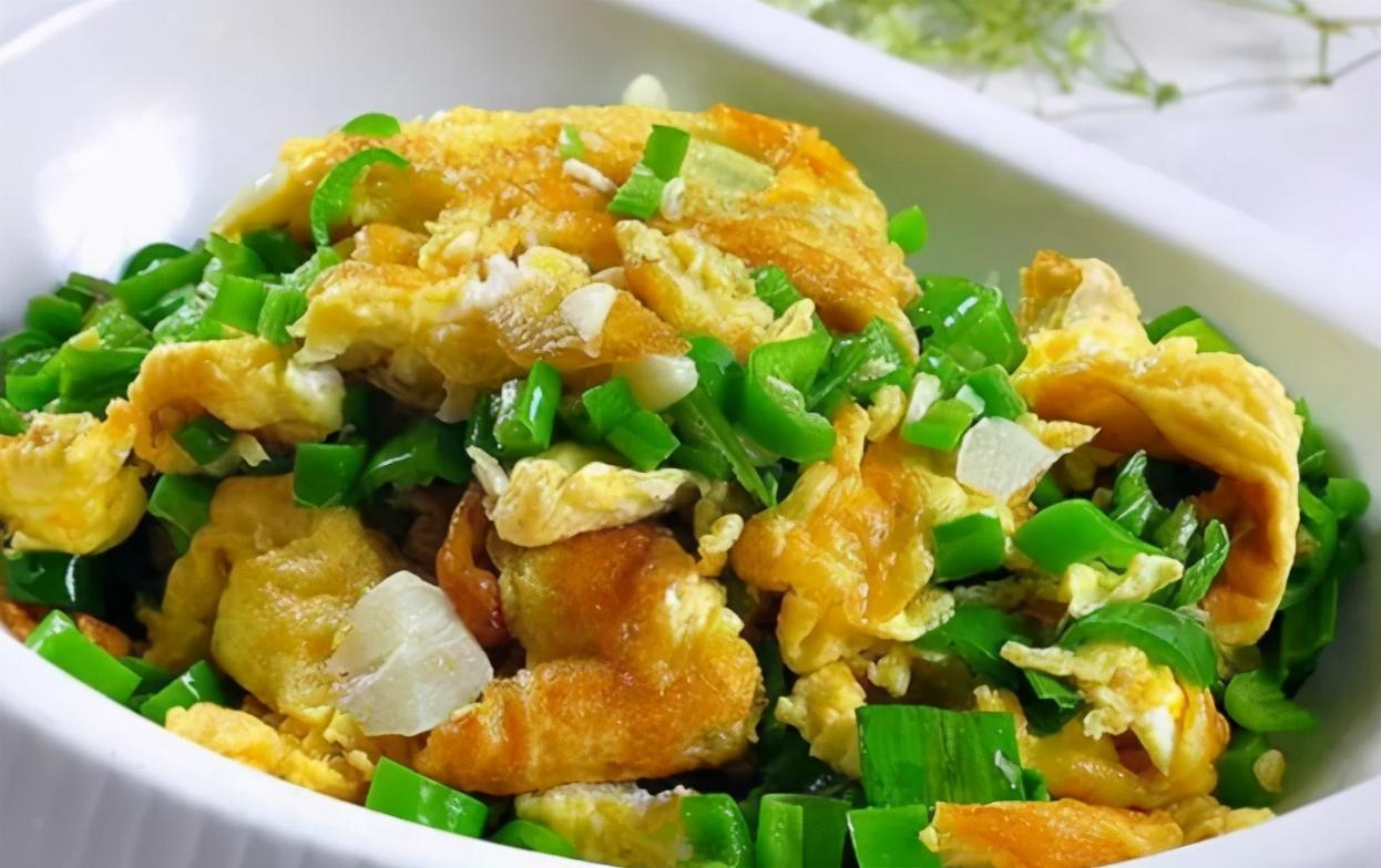 青椒炒鸡蛋很多人第一步就错了,教你几个小技巧,青椒鲜香超下饭