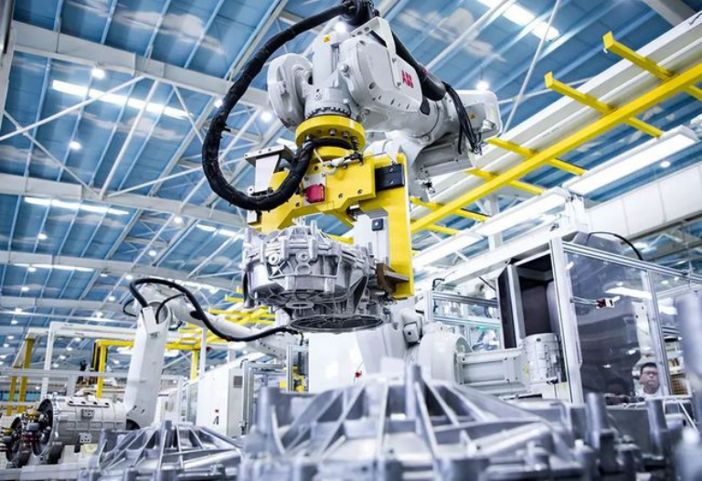 国产零部件供不应求!今年机器人销量或激增?