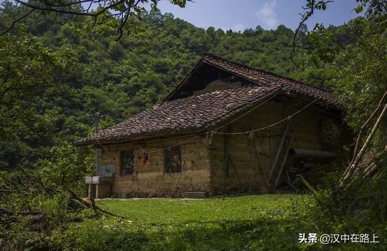 汉中略阳羌文化生态?;な匝榍�的羌族建�?,太有特色啦