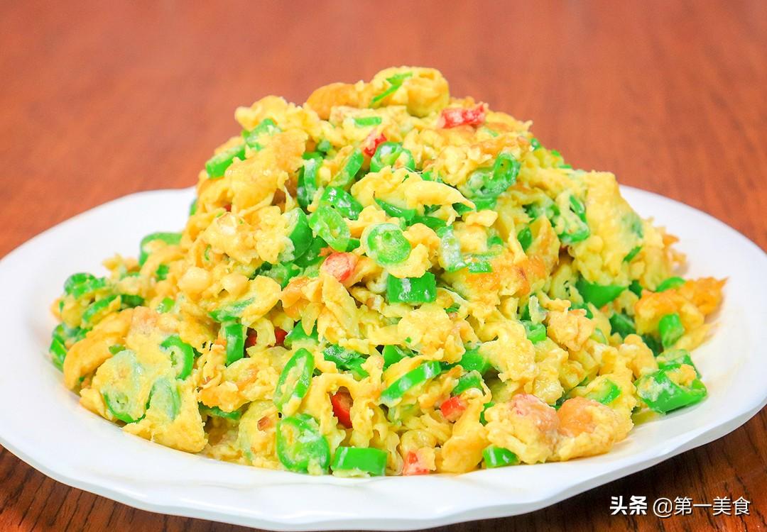 【线椒炒鸡蛋】做法步骤图 鸡蛋全部裹在线椒上 比饭店还鲜嫩