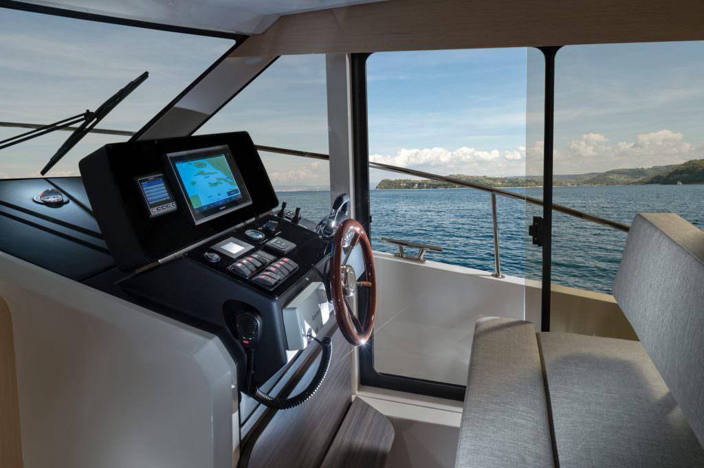 来自斯洛文尼亚的混合动力游艇「格林娜Greenline 39」