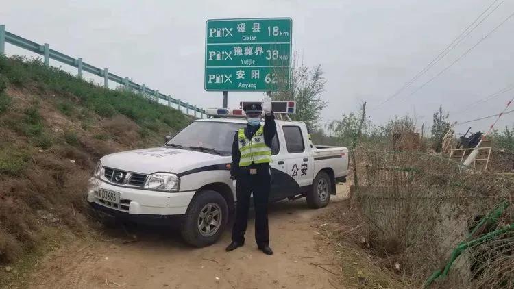 """邯郸市邯山一大队圆满完成""""万亩桃园""""文化节交通安保工作"""
