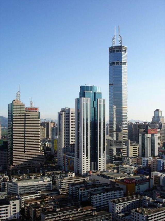 """美国学者拍下深圳""""赛格大厦""""照片,引发热议:中国建设太强大"""