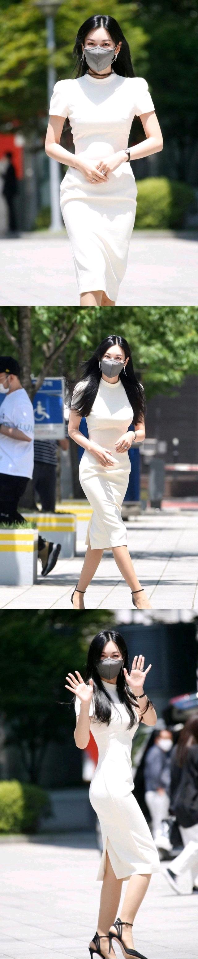 金素妍真人无PS的身材也太辣了,40岁一点不运动比顶楼千瑞珍还美