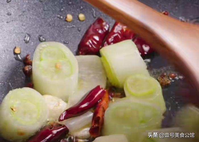 宫保虾仁的简单做法,鲜辣味美又解馋,家人爱吃的家常菜 美食做法 第4张