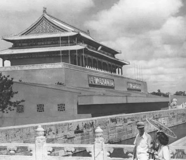 老照片:1954年北京老建筑,图8可惜了