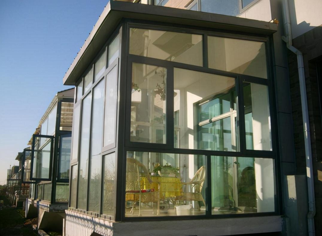 为什么越来越多人选铝包木窗,而不是断桥铝?内行人:买好不买贵