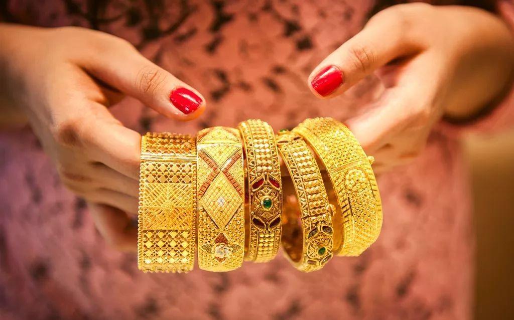 黄金珠宝首饰换购套路特别多,珠宝租赁让我们远离被套路的烦恼