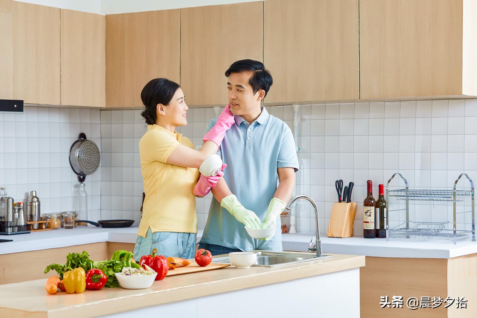"""致已婚男人,你的妻子有这三个""""特点"""",你们的生活会越来越好"""