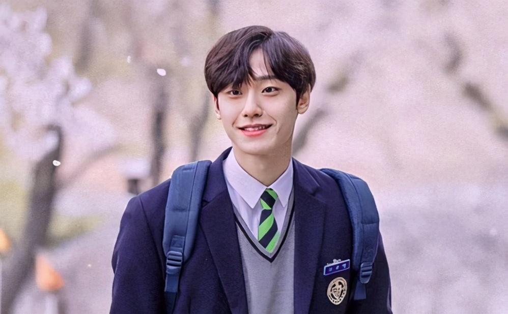 韩剧《再次十八岁》中五位高颜值帅哥,你看完对哪一位心动了呢?